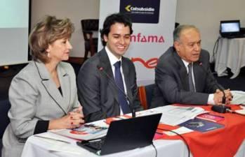 María Inés Restrepo de Arango, directora de Comfama; David Escobar Arango, presidente de UNE EPM Telecomunicaciones; y Luis Carlos Arango Vélez, director administrativo de Colsubsidio.