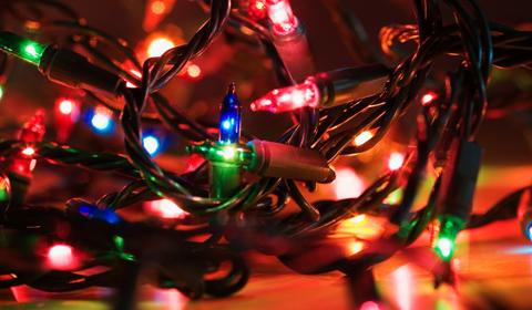 Abc econom a atienda estos 10 consejos para conectarse con una navidad eficiente - Focos led con luces de colores ...